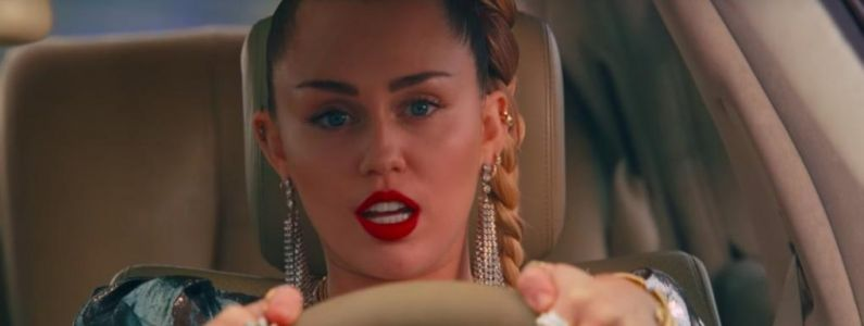 Mark Ronson ft. Miley Cyrus:  Nothing Breaks Like a Heart, la live performance à ne pas manquer