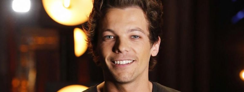 One Direction:  Louis Tomlinson rejoint le jury d'X Factor, Niall Horan le félicite