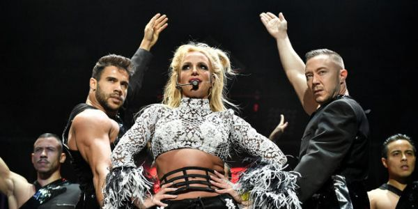 Britney Spears s'offre un flash-back en play-back