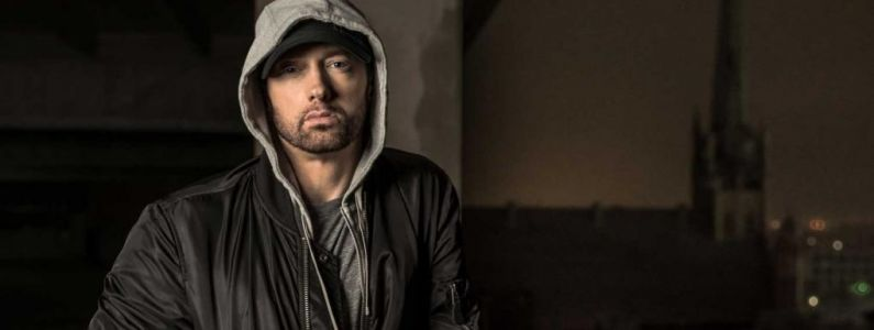 Eminem, Chris Brown et les Red Hot Chili Pepppers bientôt boycottés par Spotify à cause d'un collectif féministe ?